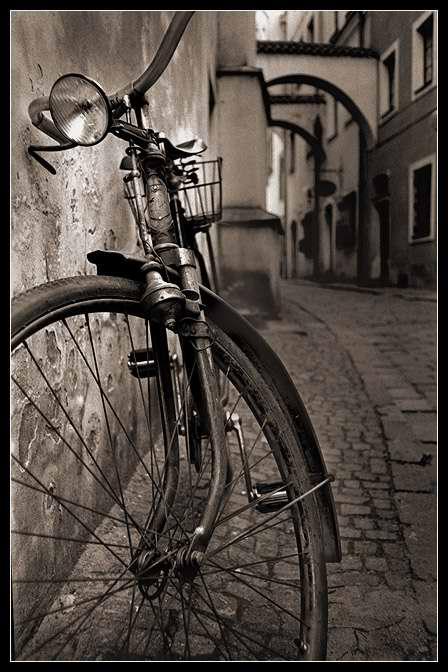 Daniel Vojtech, Old Bicycle