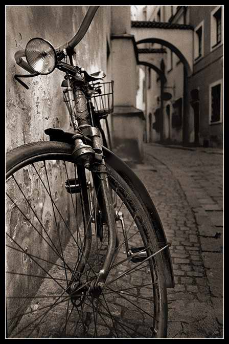 Daniel Vojtech, Old Bicycle